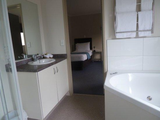 Portmans Motor Lodge: Standard double room