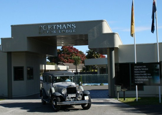 Portmans Motor Lodge: Entrance