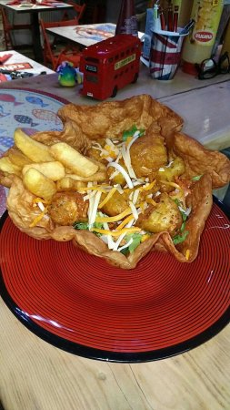 Valbonne, Frankrijk: Tortillas en salade avec tapas cabillaud !! Un délice !!