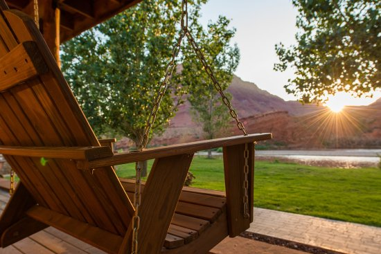 Sorrel River Ranch Resort and Spa: River Studio Porch Swing