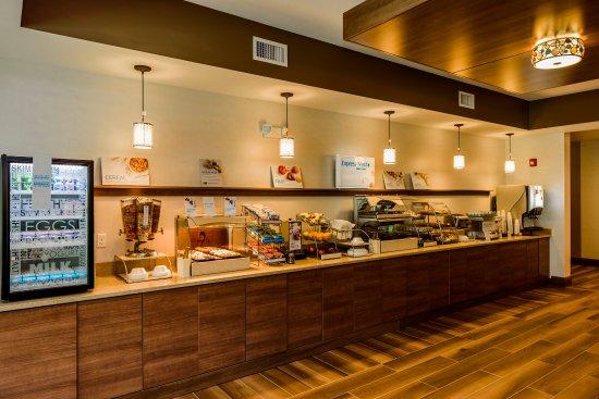 Jamestown, NY: Breakfast Bar