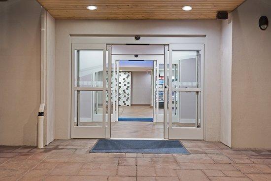 New Cumberland, PA: Entrance