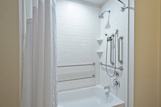 New Cumberland, PA: Guest Bathroom