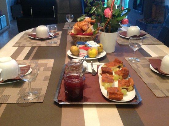 Saint-Jouan-des-Guerets, França: petits déjeuners