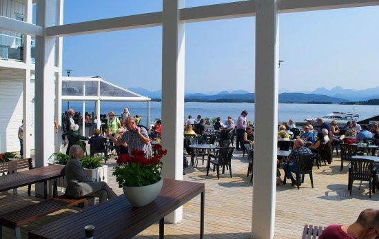 Molde, Noruega: Located at the waterfront