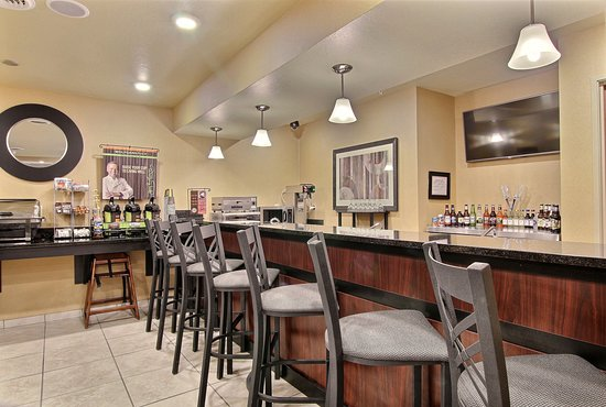 Linton, ND: On-Site beer and wine bar