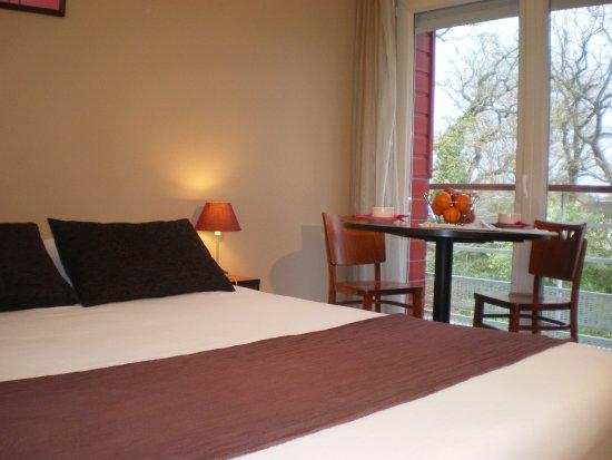Univea Suites Confort Nantes Beaujoire : Room1
