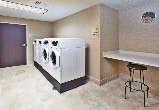Auburn, AL: Guest Laundry