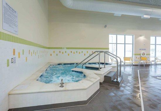 Jamestown, ND: Splash Country Waterpark Hot Tub