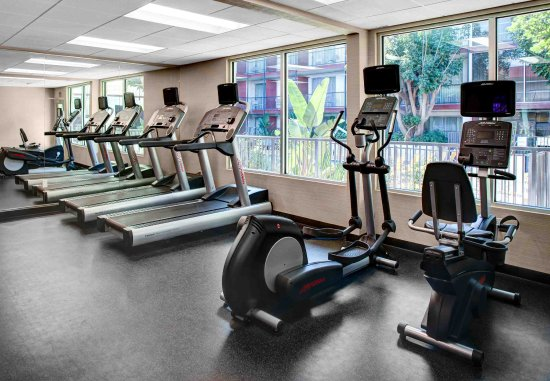 El Segundo, Kaliforniya: Fitness Center - Cardio Equipment