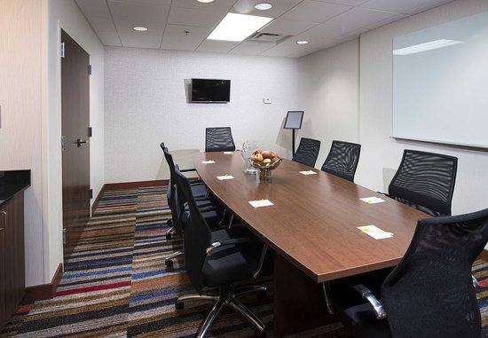 Lynchburg, VA: Executive Boardroom