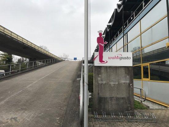 Arlesheim, Suisse : Aufigehts!