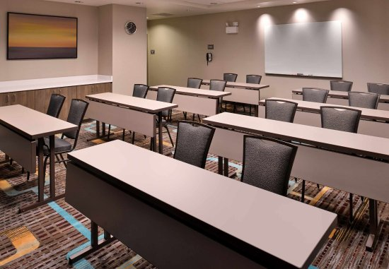 East Lansing, MI: Meeting Room - Classroom Setup