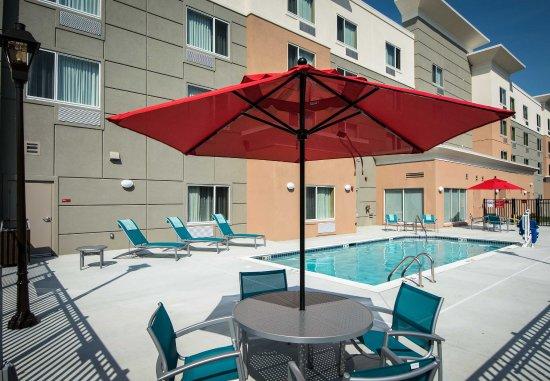 Goldsboro, NC: Outdoor Pool Patio
