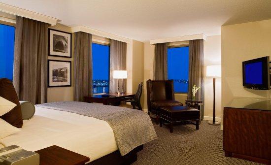 هيلتون فيلادلفيا آت بينز لاندينج: Hilton Philadelphia at Penn's Landing King Bed