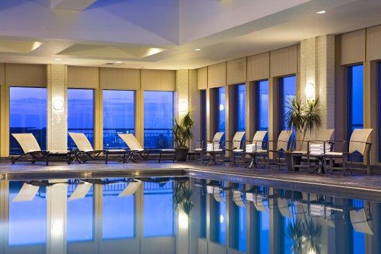 هيلتون فيلادلفيا آت بينز لاندينج: Hilton Philadelphia Penn's Landing Hotel Pool
