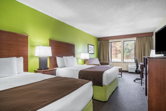 Black River Falls, WI: Two Queen Suite