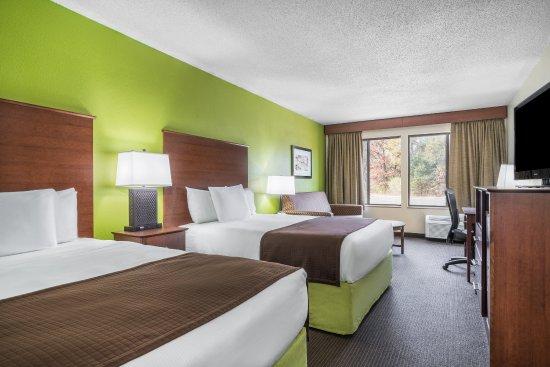 Black River Falls, Висконсин: Two Queen Suite
