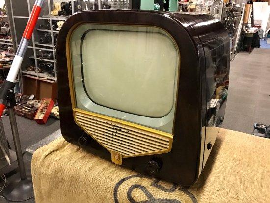 Arlesheim, Suisse : Philips Bakelit Fernseher 1953