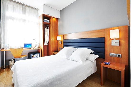 Barcelona Century Hotel: Habitación económica matrimonio