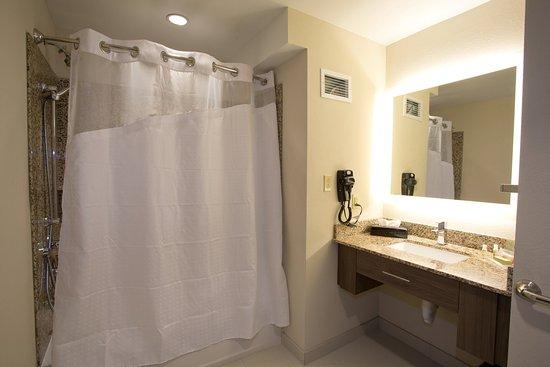 Morgantown, Virginia Occidental: Shower/Bath Tub Combo