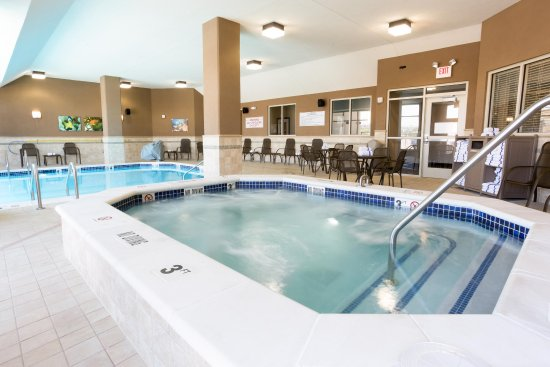 Drury Inn & Suites Colorado Springs near the Air Force Academy: Indoor/Outdoor Pool & Whirlpool