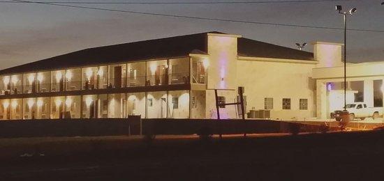 Gonzales, Teksas: Exterior