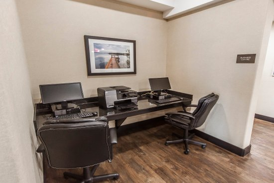 Bonnyville, Canada: Business center