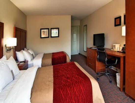 Days Inn Williamsburg Historic Area: Guest Room with Two Beds
