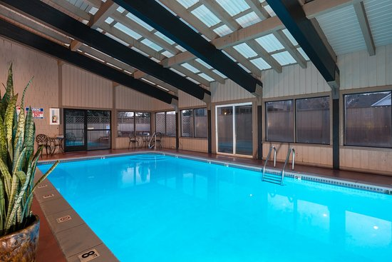 Tamarack Lodge: Pool