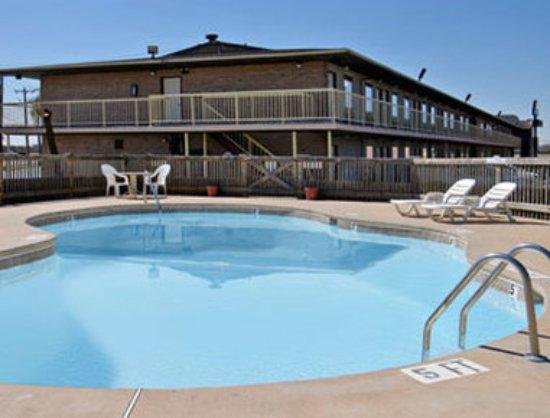 Knights Inn Abilene: Pool