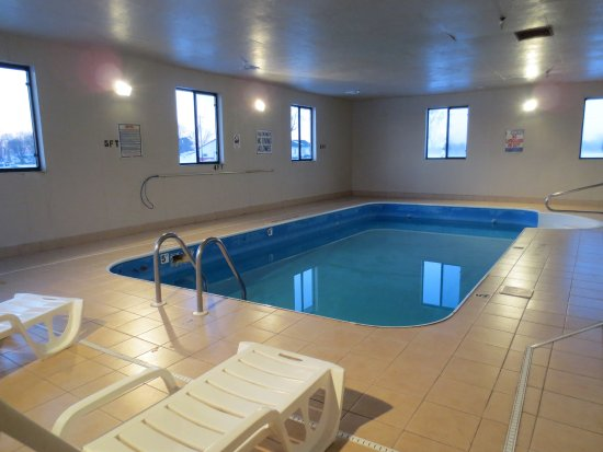 Pinckneyville, IL: Indoor Pool