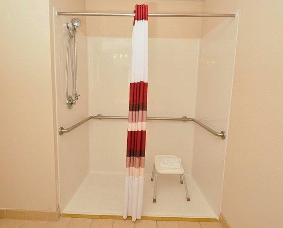 Carrollton, KY: Roll-in Shower