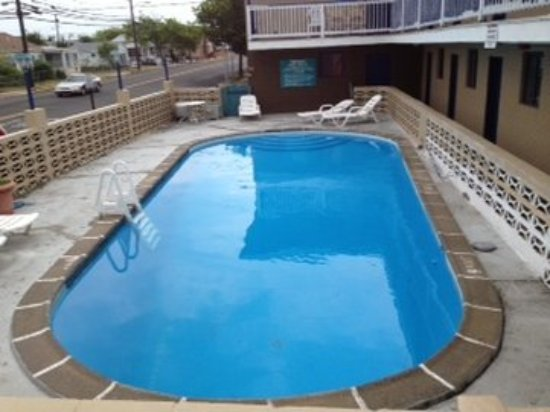 Atlantic Inn: Pool