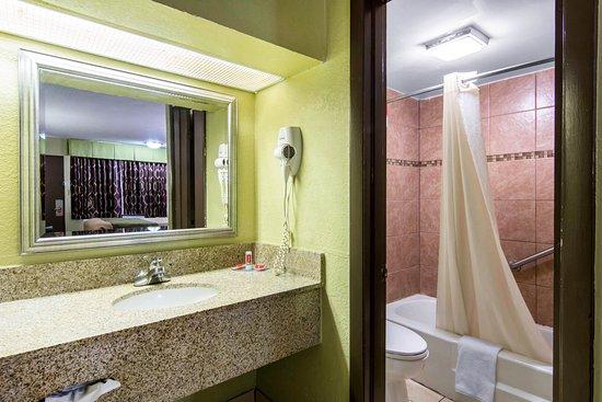 Weldon, Caroline du Nord : Bathroom