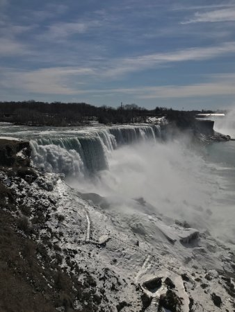 Niagara Falls State Park: Off-season visit allowed plenty of opportunities to take up close photos.