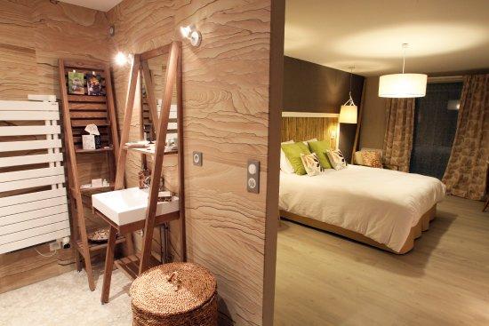 Salle de douche Chambre LA BAMBOU située au RDC avec ...