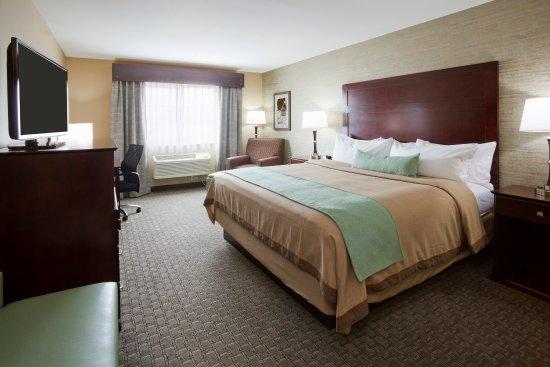 Morris, MN: King Guest Room