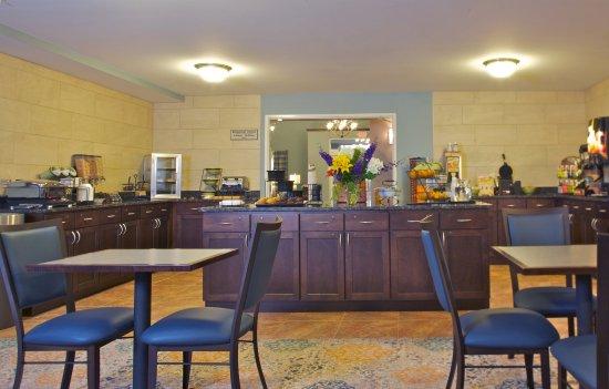 Mount Horeb, WI: Grand Start Breakfast Area