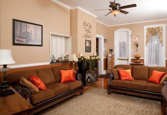 Danville, PA: Livingroom