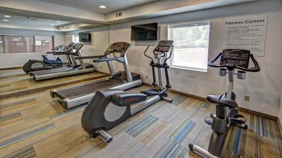 Roslyn, NY: Modern Fitness Center