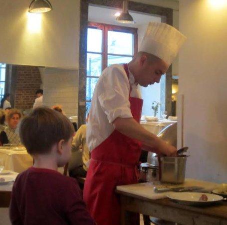 Restauracja U Kucharzy: cook prepares dishes .... my grandsan keeps an eye on it