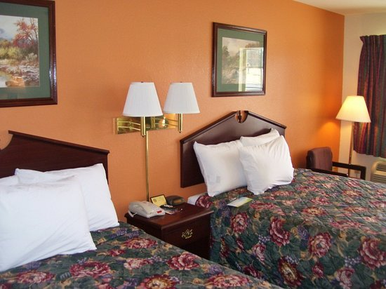 LaFayette, GA: Two King Beds Suite