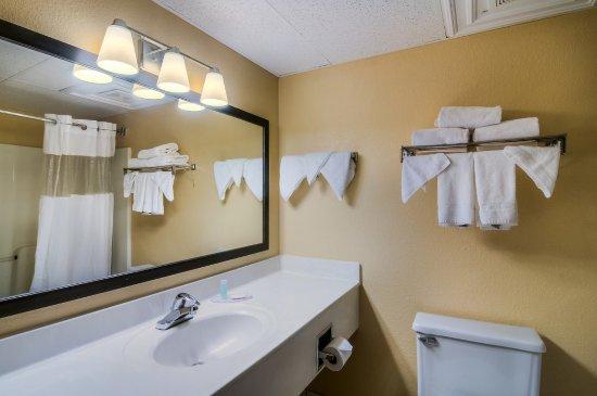 Palatine, IL: RILPAKing Bathroom