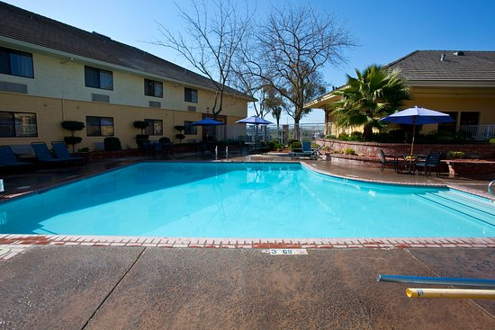 Modesto, CA: Pool
