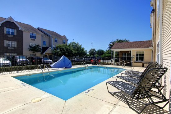 Home Towne Suites - Montgomery : Pool view