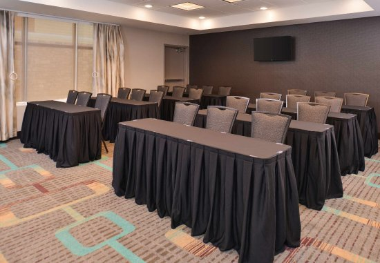 Cedar Rapids, Iowa: Hawkeye Meeting Room - Classroom Set-Up