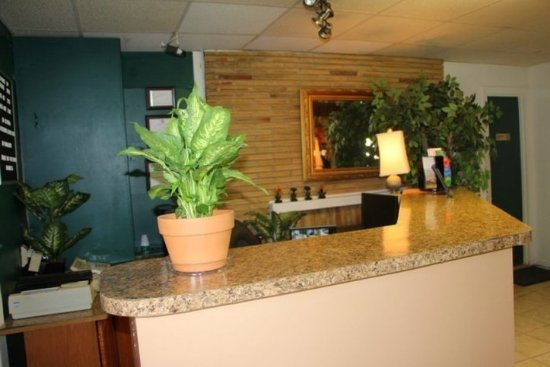 Madison Heights, VA: SVAMHFront Desk