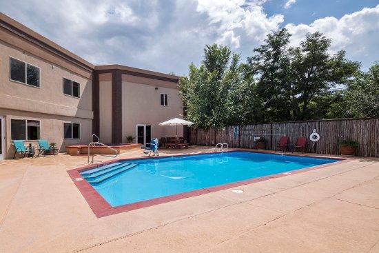 Alpine, TX: Outdoor Pool