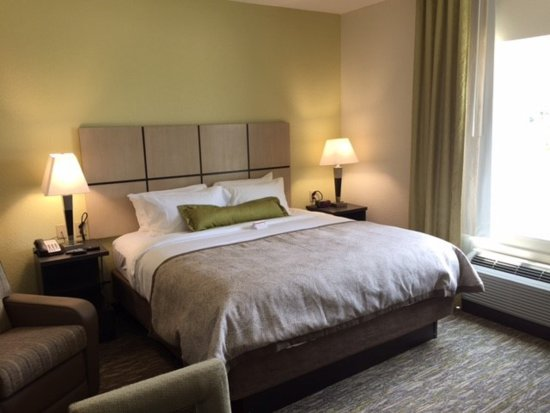ออเบิร์น, อลาบาม่า: Queen Bed Guest Room